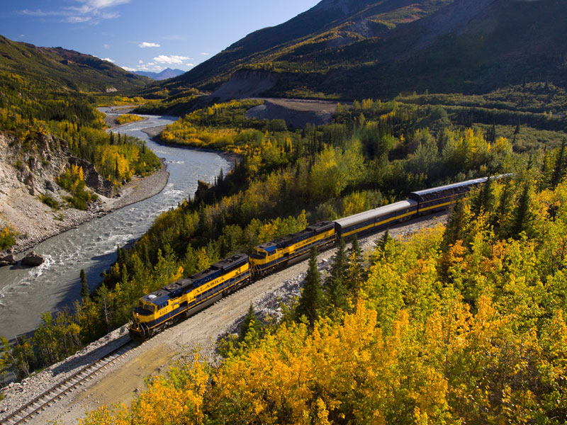 Alaska Stillpoint Lodge with Denali by Train | Alaska Railroad with Nenana River