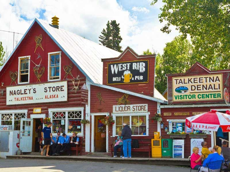 Alaska Rail Vacation | Talkeetna Main Street